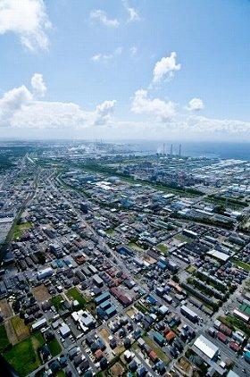東電の「燃料・火力発電事業」が今エネルギー企業を動かしている(写真は東京電力姉崎火力発電所上空)