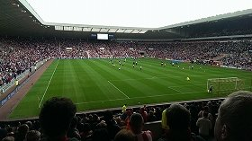 スタジアムの観客席は「汚い」?(写真はイメージ)