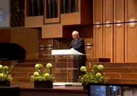 2011年に教会で講演する文昌克(ムン・チャングク)氏。動画が発掘され、その内容が問題視された