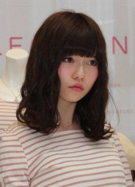 AKB48の島崎遥香さんも「病弱フェイス」のひとり(13年3月撮影)