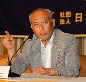 日本外国特派員協会で講演する東京都の舛添要一知事。中国と韓国訪問の成果を強調した