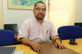 尖閣諸島は「コモンズ」にすべきだと話す龍谷大学経済学部教授の松島泰勝さん