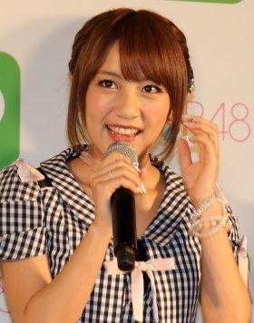 阿川佐和子さんのトーク番組「サワコの朝」に出演した高橋みなみさん(14年4月撮影)。「恋チュン」をめぐっては「でもちょっとこれ、やばくないですか?」といった声が出ていたという