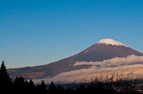 富士山で排泄物が放置されていた