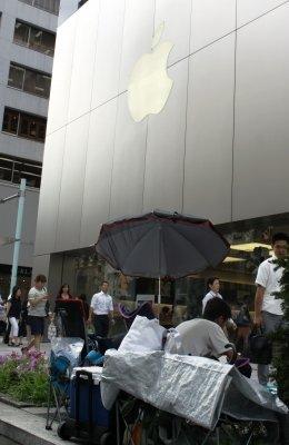 日本在住の留学生「同じ中国人として恥ずかしい」 世界中で起きた「iPhone6」転売大騒動