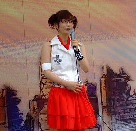 アリーナ役に起用されたしょこたん(07年撮影)