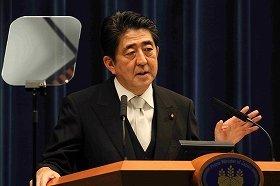 安倍首相は就任後初の日中首脳会談をこなした