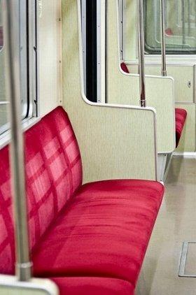 意外と知られていない、座席下の電源(画像はイメージ)