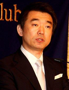 橋下氏は開票開始後の会見でも報道陣への恨み節を口にした(2013年5月撮影)