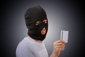 「古いカードは暗証番号を書いて送り返して」 地方銀行装い、お年寄り狙う詐欺未遂全国で相次ぐ