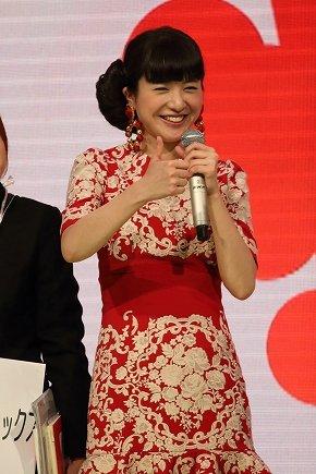 紅組司会の吉高由里子さん。本番では大トリ、松田聖子さんの名前を言い間違えずに進行できるか