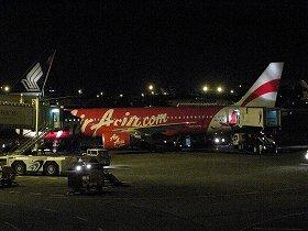 事故を起こしたエアアジア・インドネシアの同型機。事故機は海底30メートルに沈んでいるとみられる