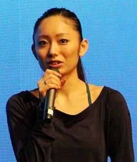 娘の「顔出し」で注目を集めた安藤美姫さん(2013年10月撮影)