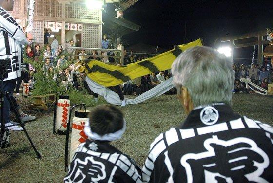 向川原虎舞=2014年9月20日、小鎚神社の宵宮祭