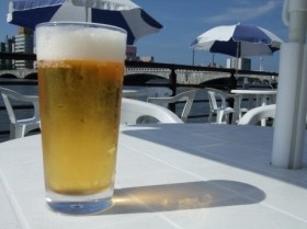 ビール業界、勝負の一年(画像はイメージ)
