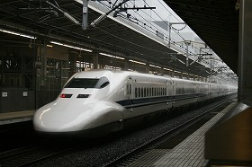 指定席を予約した新幹線に乗り遅れたら、元々の切符で後続列車の自由席に座ることができる
