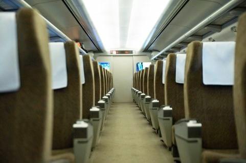 新幹線車中のマナーにキレる芸能人 貧乏ゆすりにキーボード音「許せん」