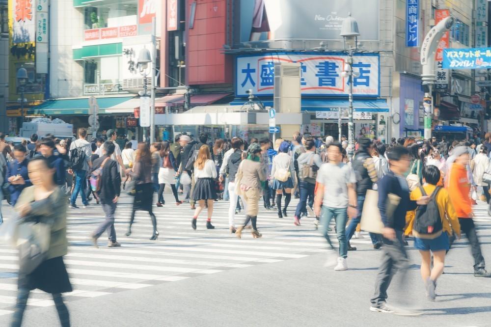 繁華街での「ナンパ」は禁止すべきなのか ネットで大激論、「道も聞けない」と反発する声も