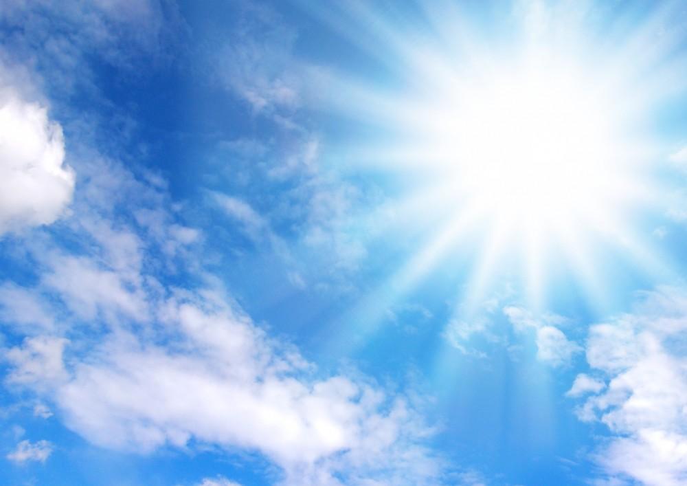 エアコン、サングラス、日傘、清涼飲料・・・ 猛暑が国内景気を押し上げている