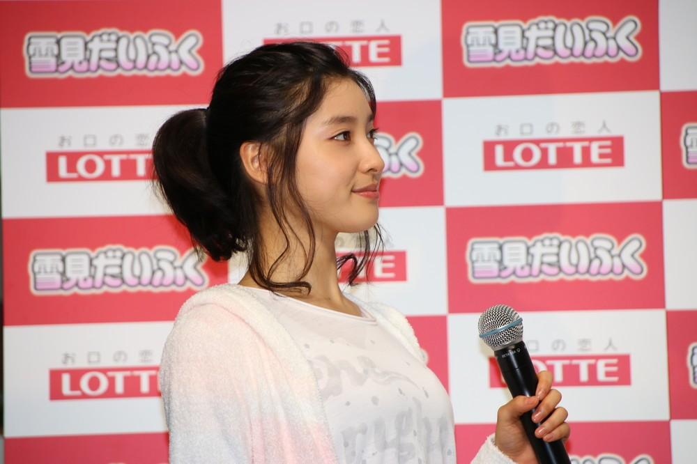 「胸にしか目が行かない」とネットで評判 女優・土屋太鳳の「隠れ巨乳」疑惑
