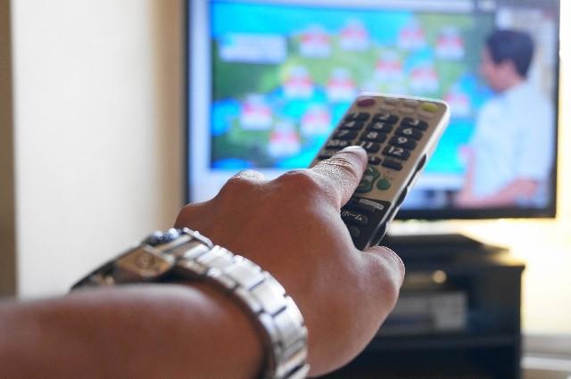テレビの見すぎは死亡率アップ 運動をしてもダメ 米国立がん研が発表