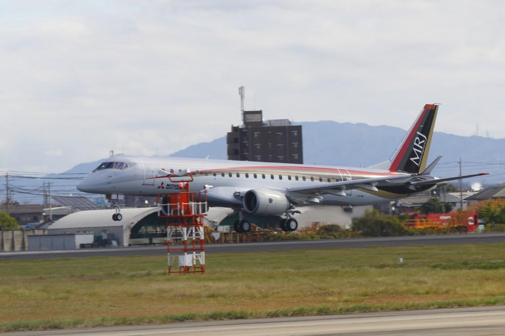 「国産MRJ」を待ち受ける国際競争の相手 小型航空機は自動車に次ぐ「産業」になるのか