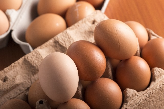 12月はケーキもおでんも値上げ? 卵が「10年ぶり高値」のワケ
