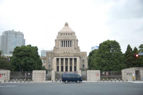 高橋洋一の霞ヶ関ウォッチ <br /> 「日本の借金1000兆円」のまやかし 「天下り先温存」が大前提だった