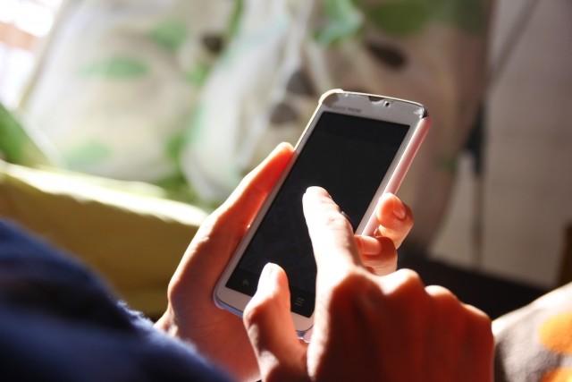 アップル失速、iPhone初の前年割れの衝撃 「部品製造」日本企業にも押し寄せる荒波
