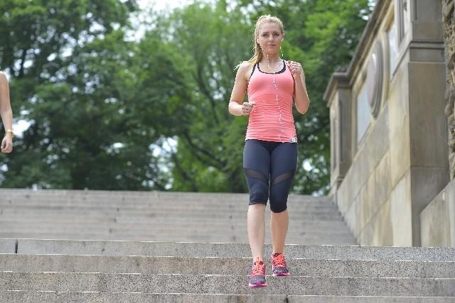 階段を上るより下りる方が健康にいい! 高齢者にオススメの脳トレ効果まで