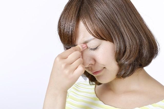 【女の相談室】女性の片頭痛持ちは心臓病になりやすい 痛みの前に「チラチラ光る」人は特に危険
