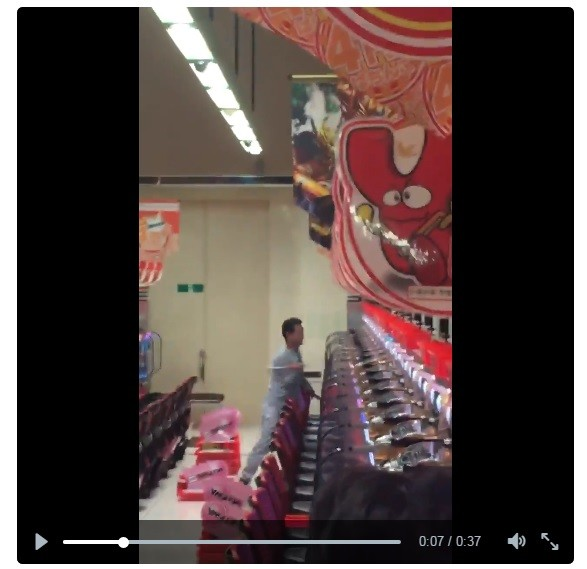 ハンマー男がパチンコ店襲撃 「台を壊しまくり」動画のド迫力