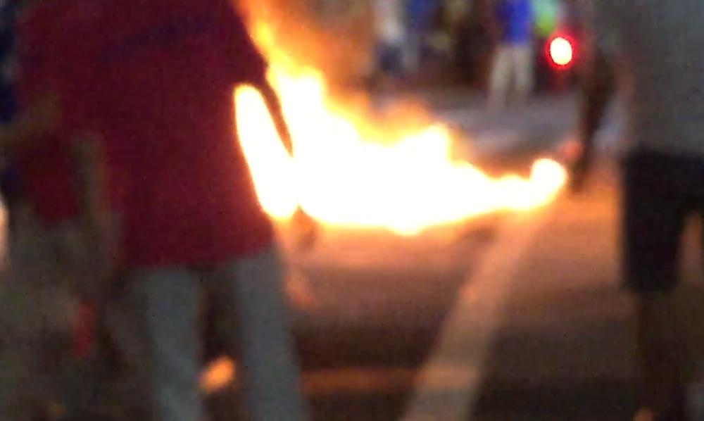 サンバ祭りに「火炎瓶」 素人でも作れるものなのか