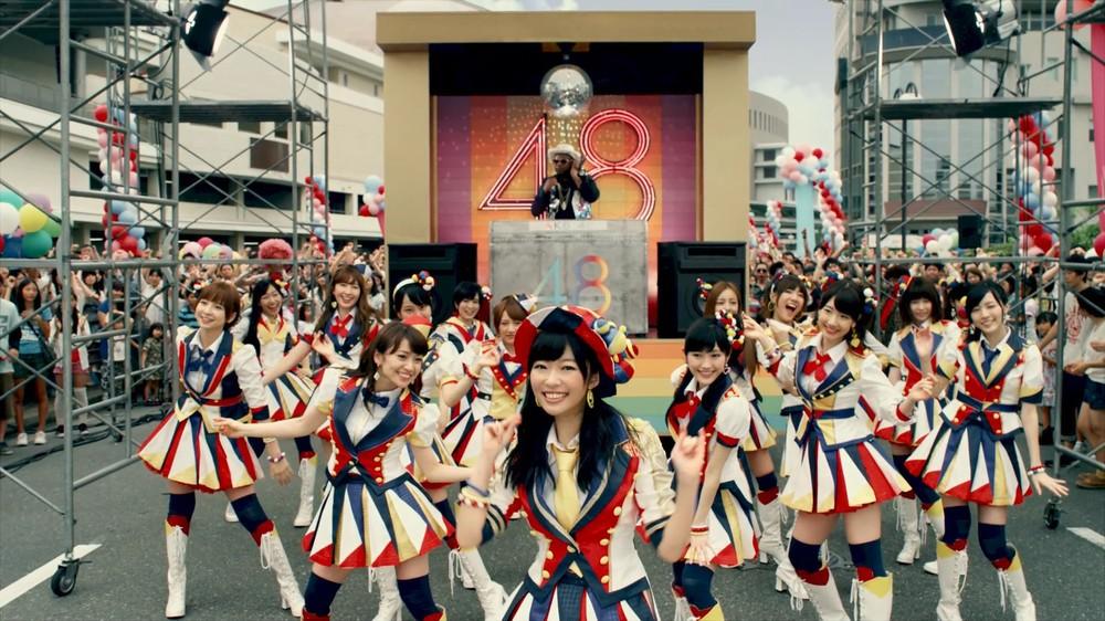 ミュージックビデオは福岡市のHKT48劇場(当時)のすぐ横で撮影された(c)AKS / キングレコード