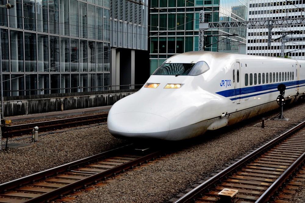 「足上げ」新幹線写真、どう撮った? プロカメラマンが語る撮影技術