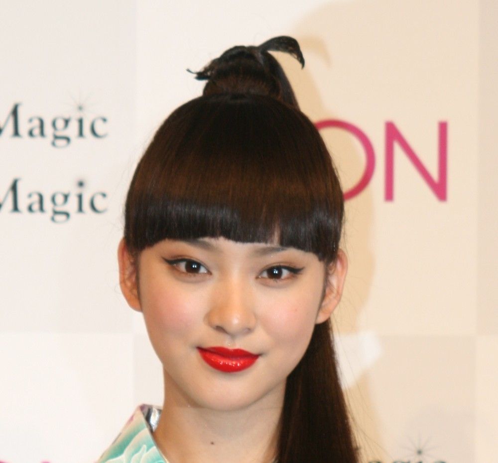 武井咲、ドラマで映った「指毛」はNGなのか 視聴者「ティファニーの指輪に目が行かない」