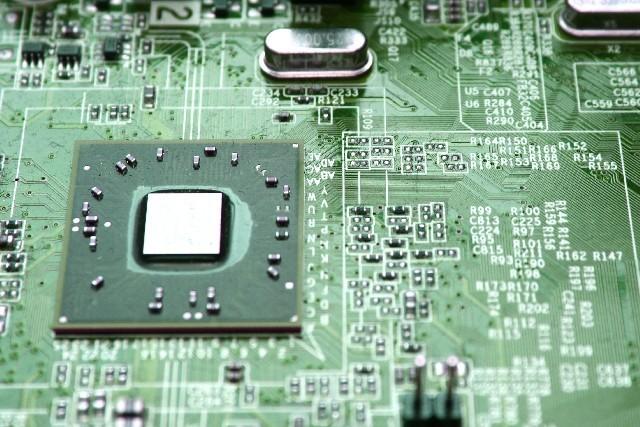 「アナログ半導体」で活路は開けるのか ルネサス、米「インターシル」買収の目論見