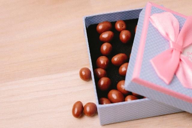アーモンドチョコで便通改善との研究 1日8粒で週4回から6回に