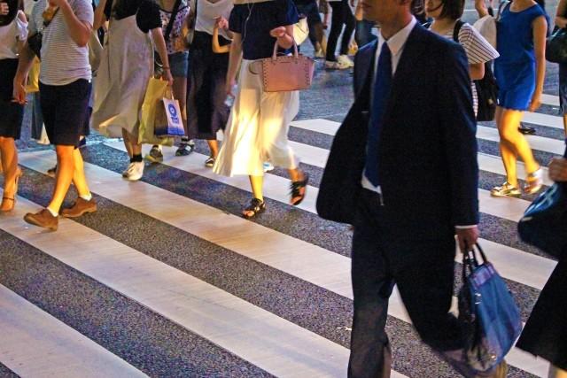 年収が高い人ほど速く歩く あなたの速さはどのくらい?