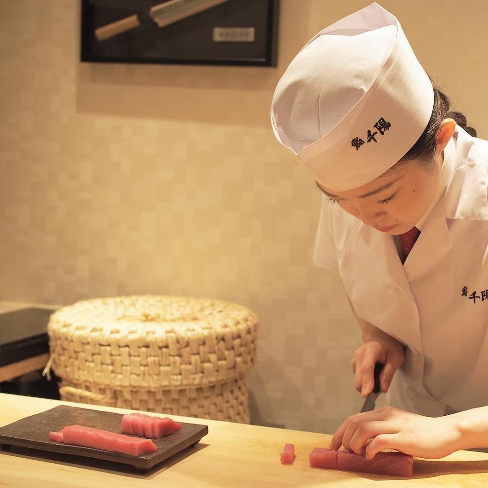 寿司職人に女性が少ないワケ 「手が温かいからダメ」は本当なのか