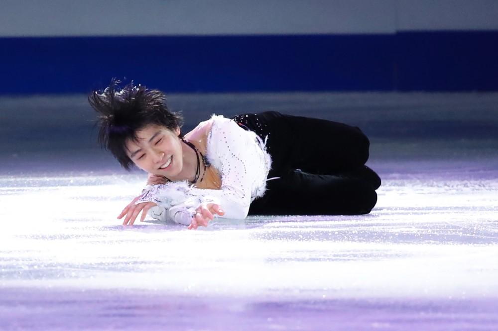 羽生結弦、まるで「地上に降りた天使」 氷上に倒れる姿に胸キュン続出