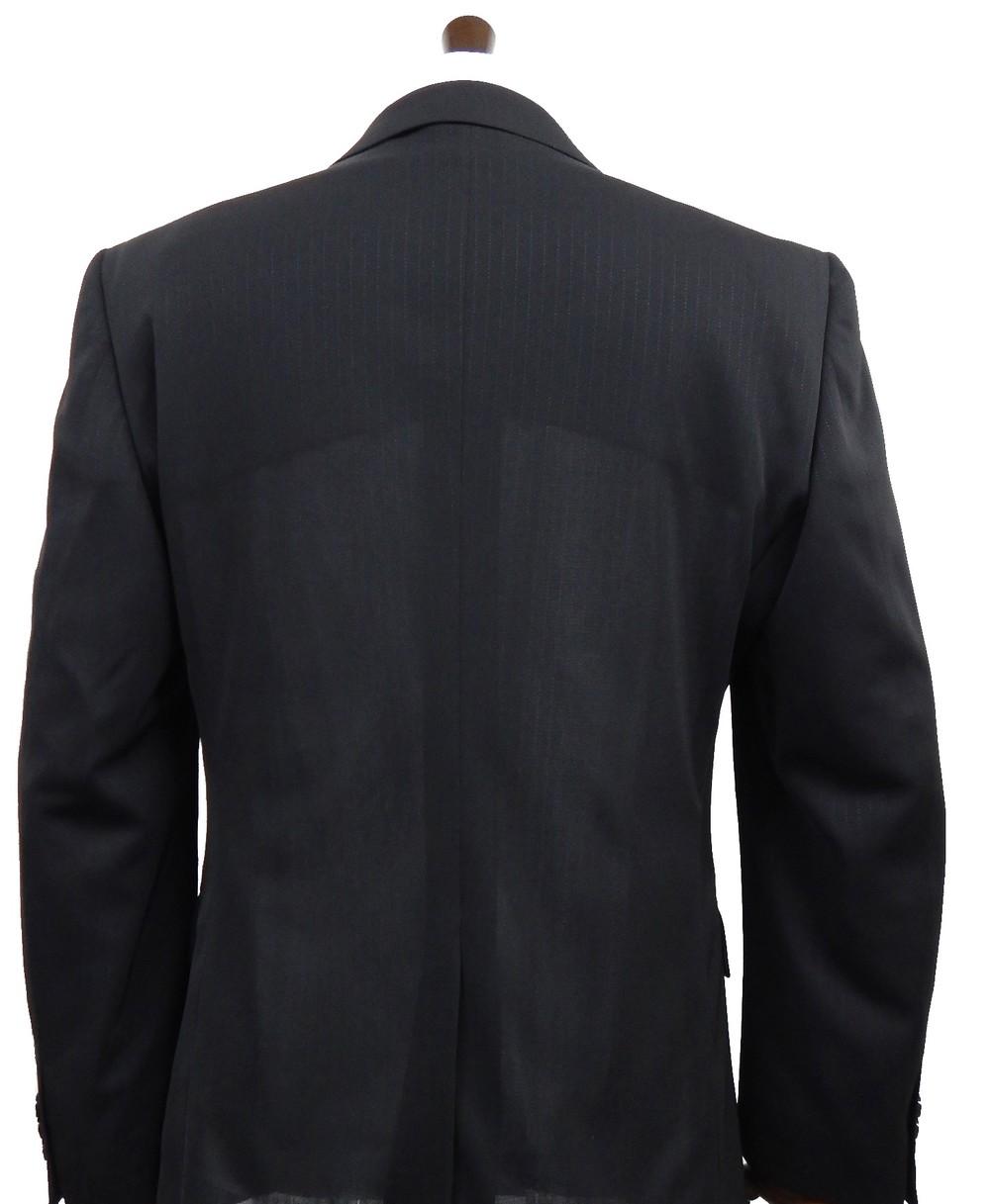 新開発素材のクールビズスーツ 「自宅で洗えて臭い対策も安心」