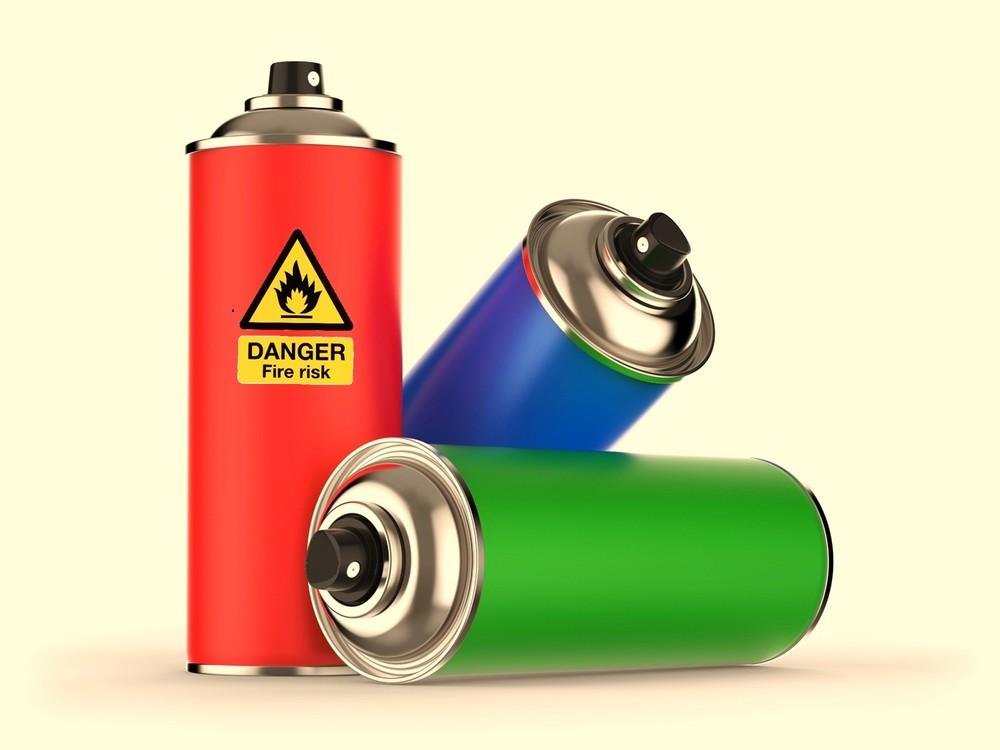 制汗、冷却、虫よけ...スプレー缶増える夏、使用と処理に注意忘れず