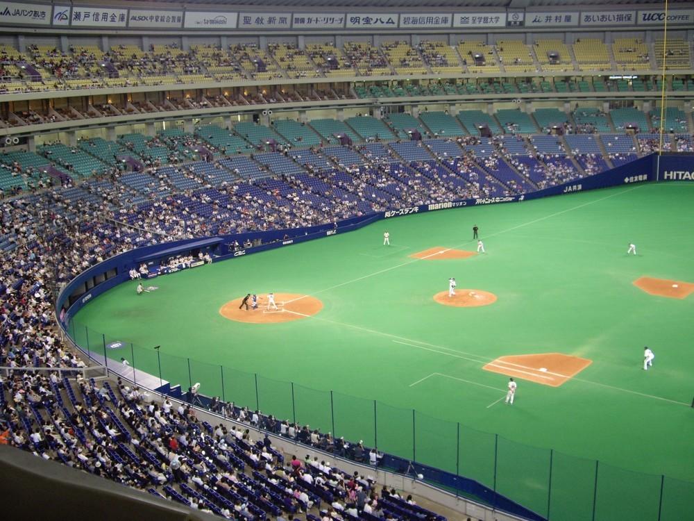 「広島ファンがレーザーで中日・又吉の投球妨害」 デマ拡散の発信源はWEB中継