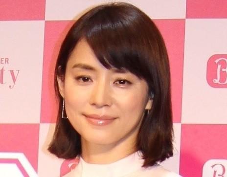 石田ゆり子に「嫁さんにしたいです」 ウインク写真で「一撃くらいました」