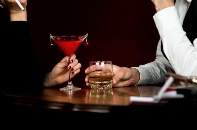 詩織さんの「デートレイプドラッグ」って何? 知らぬ間に飲み物に混入される「薬」の恐怖
