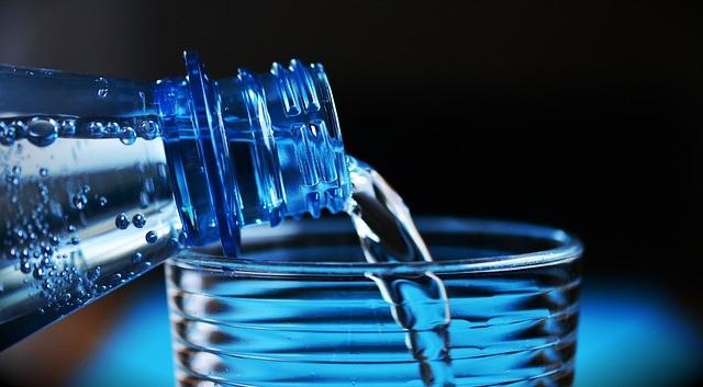 「砂糖なし炭酸水でも太る」論文発表 ニセ医療情報?専門機関が検証した