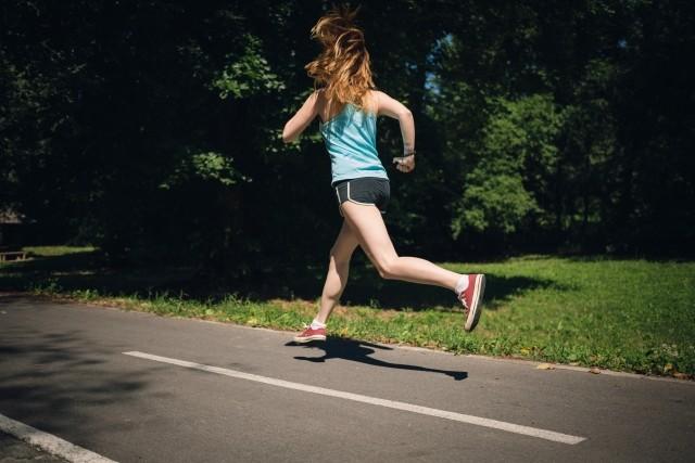 妊娠中もバンバン運動する方がいい?! 走り続けたランナーが結果を出した