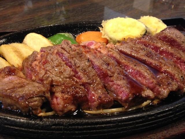 シニアは「コレステロール高め」が長生き 65歳を超えたら肉をモリモリ食べよう!