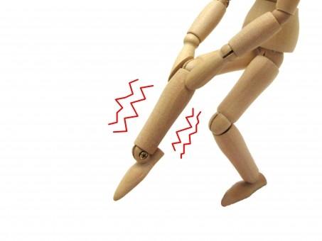 運動中の足つりにすぐ飲めるゼリー薬 小林製薬が即効薬「コムレケアゼリー」発売